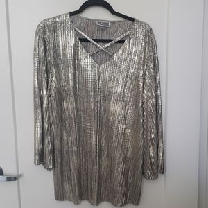 NWT JM Collection top L
